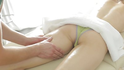 Massage session turns Peachy B into a real slut