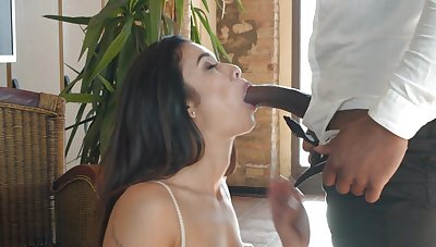 Black hunk suits Jade Presley with endless cock