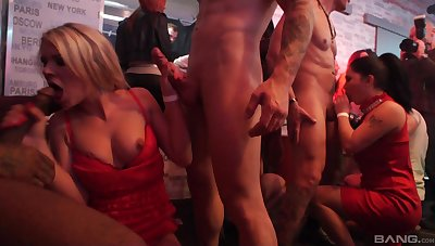 Upper floor orgy leads the naked slut prevalent carry through incredible things
