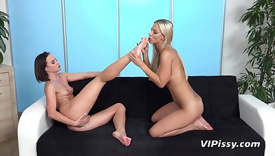 Lusty Euro beauties piss on each other and make a mess