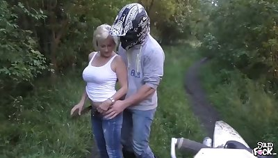 Outdoors butt fuck with a kirmess milf with creampie