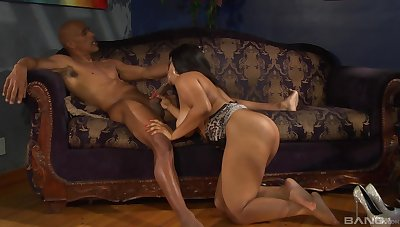 Busty ebony grabs elder statesman man's BBC for the ultimate porn play