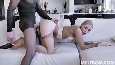 MILF fetish in pantyhose kink with husky stud