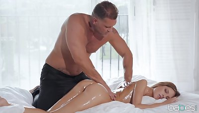 Muscular man wants this petite babe's wet compendious pussy and bore