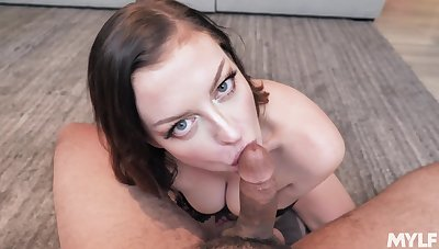 Wonderful anticipating curvy Enthrone Syre is hot MILF who is addicted to sucking horseshit