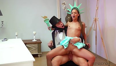 Amirah Adara dresses up as the Statue of Liberty alongside fuck a faux Abe Lincoln