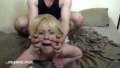 Greedy Blondie Nourisher With Unshaved Pussy